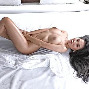 Hobbyhuren Frankfurt Yoko Escort Asiatin Top Figur bietet Sklavia Sex Service