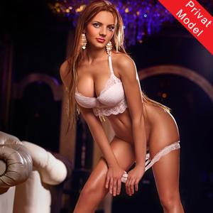 Alexandra Sie sucht Ihn für Sex Erotik über Escort Modelagentur aus Frankfurt