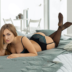 Amanda Escort Frankfurt Model Agency She Is Looking For Sex With Men