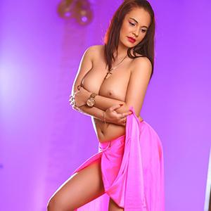Sexkontakte mit Super Escort Prostituierte Angelina in Ffm am Main
