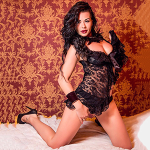 Leisure Contacts In Frankfurt am Main Erotic Escort Lady Barbara Is Looking For Him For Sex