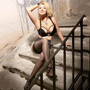 Haus & Hotelbesuche Frankfurt Angelina Top äußerst charmante und sehr attraktive Dame