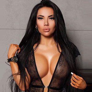 Escort FFM Bianka She Is Looking For Him In Her Spare Time For Intimate Sex Contacts