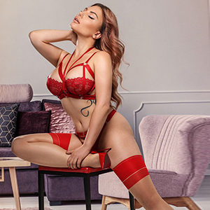 Make an appointment at the Frankfurt agency for home or hotel visits in Frankfurt with beginner model Constance Hot for deep kisses with tongue service