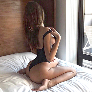 High Class Escort Model Crina bestellen für Sex im Hotel Haus in Frankfurt