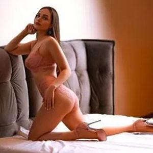 Begleitservice Wiesbaden Vika schlanke Figur liebt Sexuelle diskrete Hotel Bekanntschaften