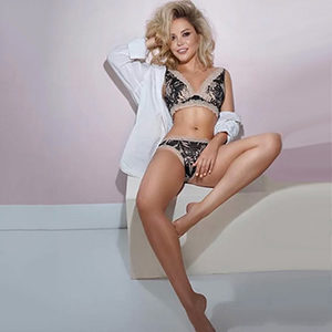 Order an affair in Frankfurt with private whore Eugenia for a change of position service via the escort agency Sex