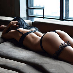 Frankfurt red light display elite lady Harper Hot for truck or car escort service spontaneously get to know private models