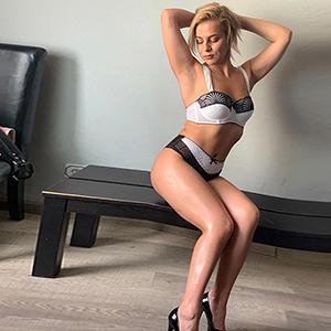 Begleitservice Frankfurt am Main Ladie Inga Blond liebt Körperbesamung bietet Top Escortservice