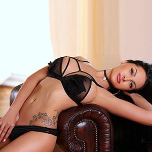 Modelagentur Frankfurt Escort Ladie Kaya spitze Möpse sucht Ihn für Sex