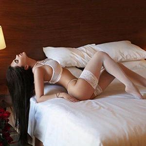 Escort Frankfurt Kolibri hinreißende Dame Sex Erotik Haus & Hotelbesuche