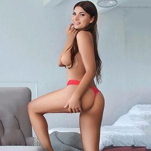 Model Leonie Sie sucht Ihn in Frankfurt für intimen Striptease im Hotelzimmer