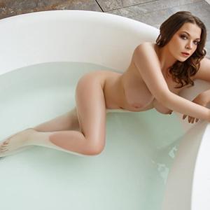 Sie sucht Ihn Frankfurt für Erotische Massage mit Sex Abenteuer Escort Mascha schlank diskret