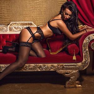 Escort Nika sehr dünn magersüchtig Sex Date Haus Hotel Frankfurt