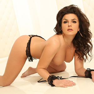 Sex Mediation In Frankfurt With Super Escort Ladie Tiffany De Luxe Also Offers Massage