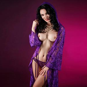 Erotische Escort Dame Tanja in FFM bietet günstige Rollenspiel Striptease Sex Angebote