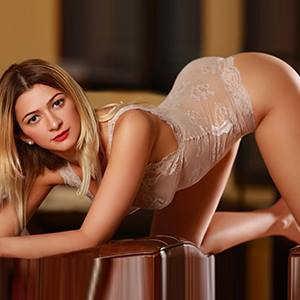Erotic Contacts With Tender Pretty Sex Hostesses Like Vivien In Frankfurt FfM